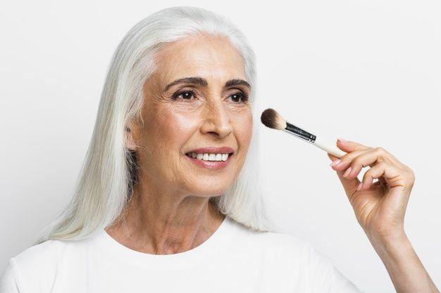 Cómo maquillarse a partir de los 50 años